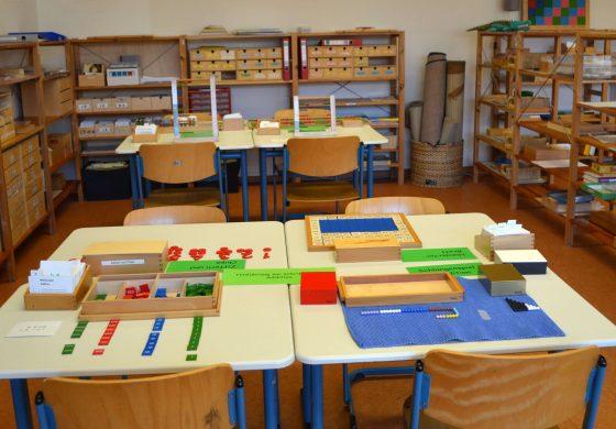 Pädagogen gehen auch zur Schule 😉  - Montessori Diplom Basis-Lehrgang an unserem Campus